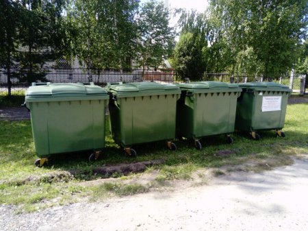 В поселке Краснооктябрьский Медведевского района установлены евроконтейнеры