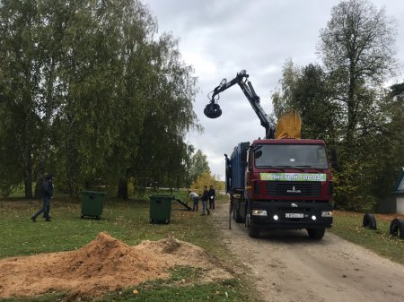 Начиная с прошлой недели идет массовая расстановка контейнеров в населенных пунктах Моркинского района.