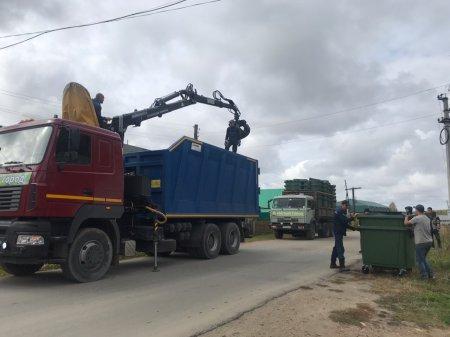 Продолжается установка евроконтейнеров в Моркинском районе